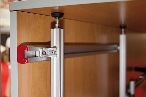 garage system standaard zorgt voor een opgeruimde garage thuisshop. Black Bedroom Furniture Sets. Home Design Ideas